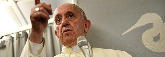 """Il Papa corregge il """"Padre nostro"""", la traduzione è sbagliata."""
