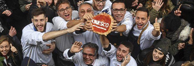 La vera pizza napoletana diventa patrimonio dell'unesco, ma tu vuliv à pizza, à pizz...a