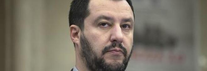 Gelataia si rifiuta di servire Salvini: