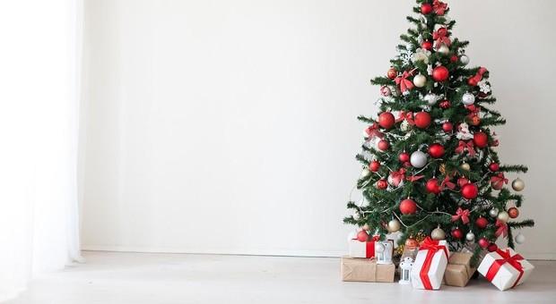 Natale, l'albero di plastica può rilasciare sostanze pericolose-LEGGO➥