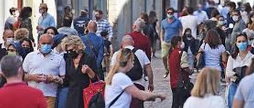 Italiani popolo di ipocondriaci che hanno paura degli altri, fanno più paura del covid19➟