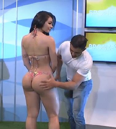 Massaggia il la.to.b alla modella in diretta tv, lei le molla un ceffone.