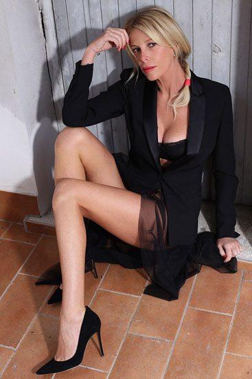 """Alessia Marcuzzi: """"Non esco mai senza portarmi la bianche ria in.tima dentro la borsa"""""""