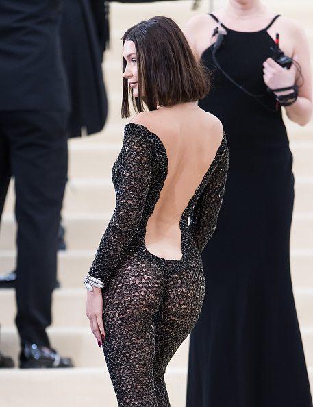 Bella Hadid, tra spa renze esagerate al Met Gala 2017