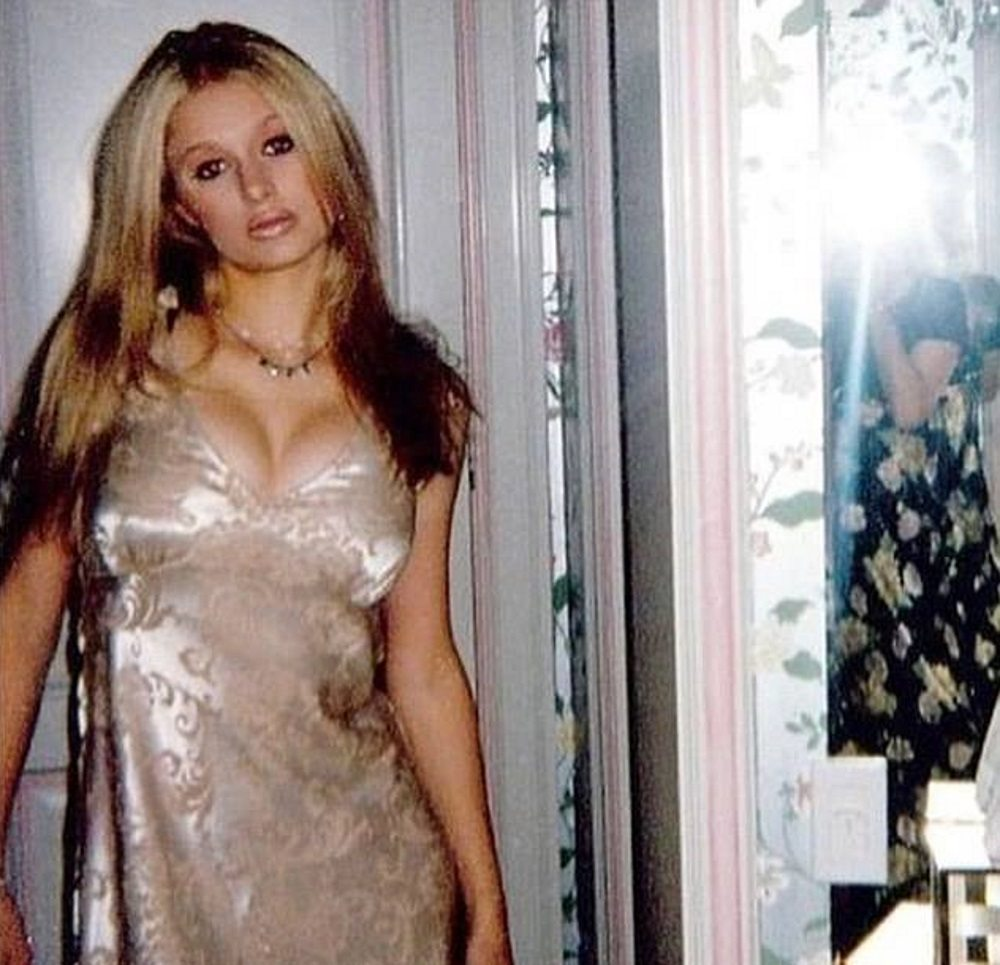 Paris Hilton a 15 anni con il push-up, fa impazzire i fan