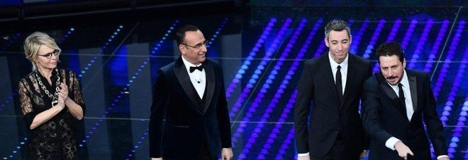 """Sanremo, Luca e Paolo show: """"A noi ci piace la patata"""""""