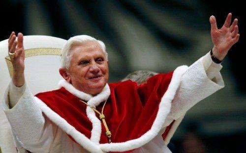 """Le profezie sulla fine della Chiesa e la """"Amoris Laetitia"""": Benedetto XVI è l'ultimo Papa."""