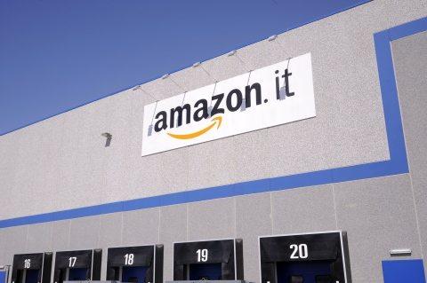 La vita (da incubo) di un operaio Amazon