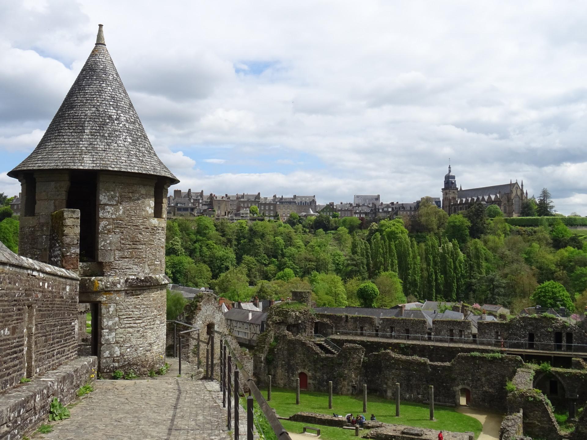 Viaggio in Bretagna: il castello di Fougéres