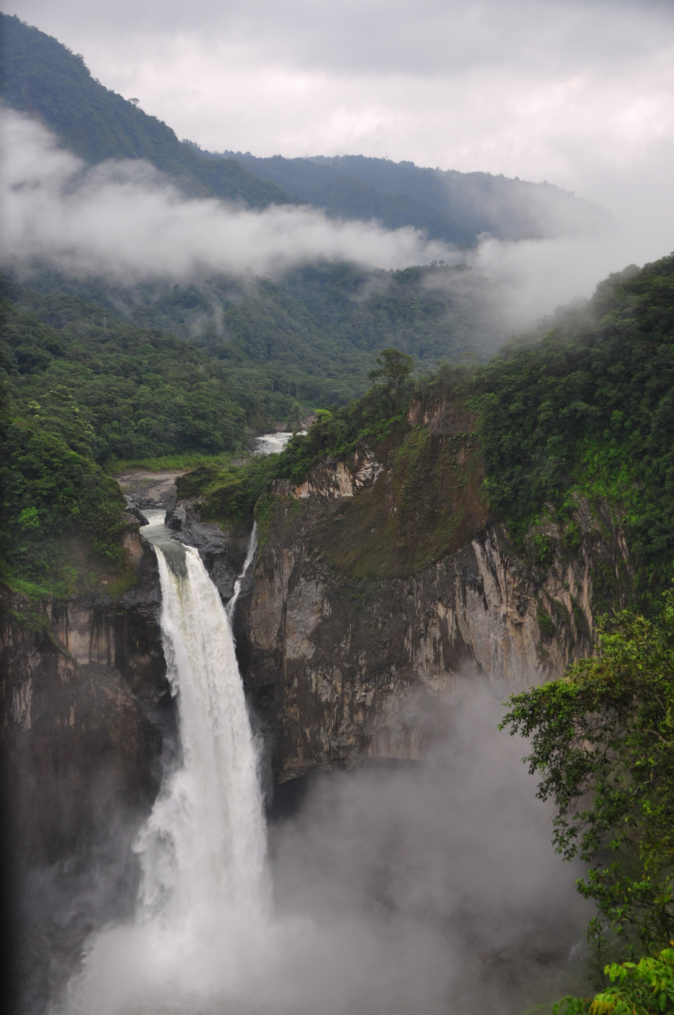 Baeza, Amazonia, le cascate di San Raffael e la placida Canoa!