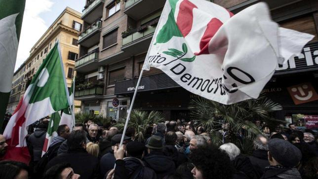 """Pd, Orfini tenta la mediazione: """"Congresso subito ma con una fase programmatica"""" Emiliano: """"Noi via se Renzi si ricandida"""""""