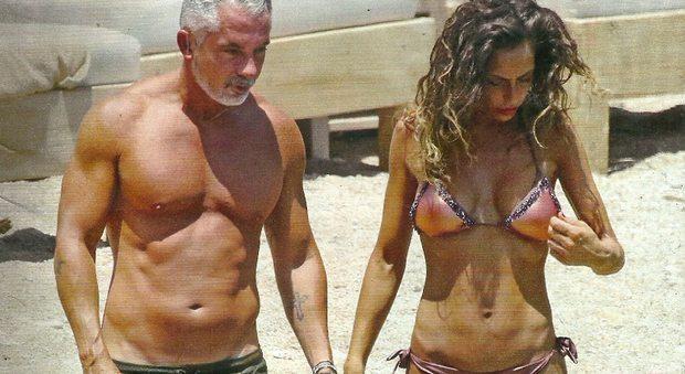 Raffaella Fico e Alessandro Moggi, luna di miele anticipata a Mykonos