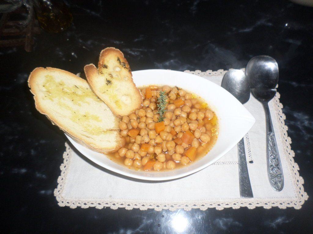 Zuppetta ceci e carote al profumo di timo e finocchetto