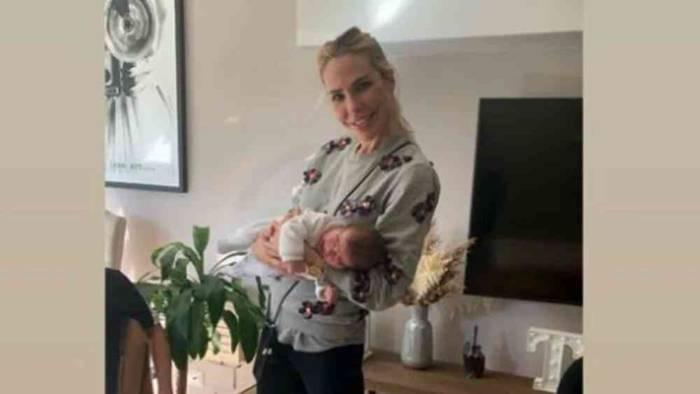 Ilary Blasi conosce la nipotina Jolie, c'è anche Isabel: le foto del primo incontro