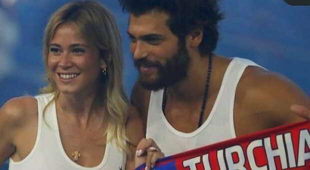 Diletta Leotta e Can Yaman, derby d'amore con selfie allo stadio