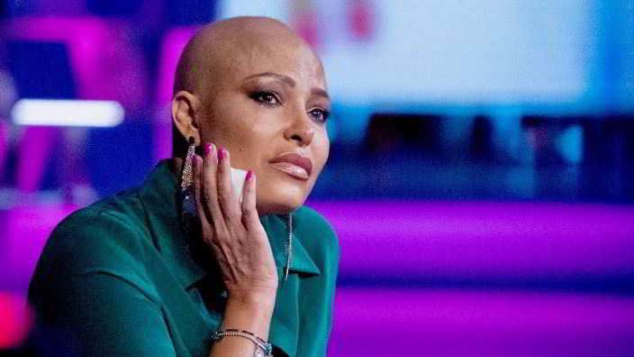 Carolina Marconi in lacrime: «Volevo un figlio e ho scoperto un tumore aggressivo»