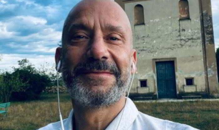 Gianluca Vialli tra i primi a fare la terza dose di vaccino Covid