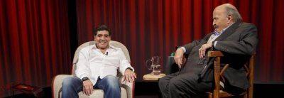 Al programma di Costanzo Diego Armando Maradona attacca Icardi