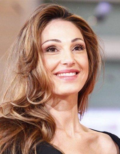 Anna Tatangelo relax a Dubai con Gigi D'Alessio