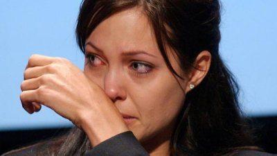 Angelina Jolie in lacrime dopo il divorzio da Pitt