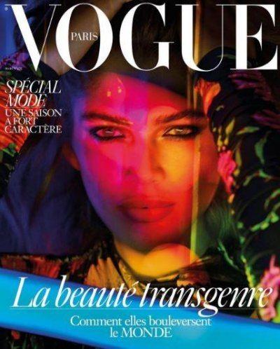 La prima modella t**s su Vogue è Valentina Sampaio