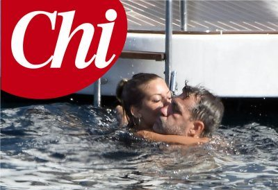 Christian Vieri e Caracciolo effusioni in alto mare