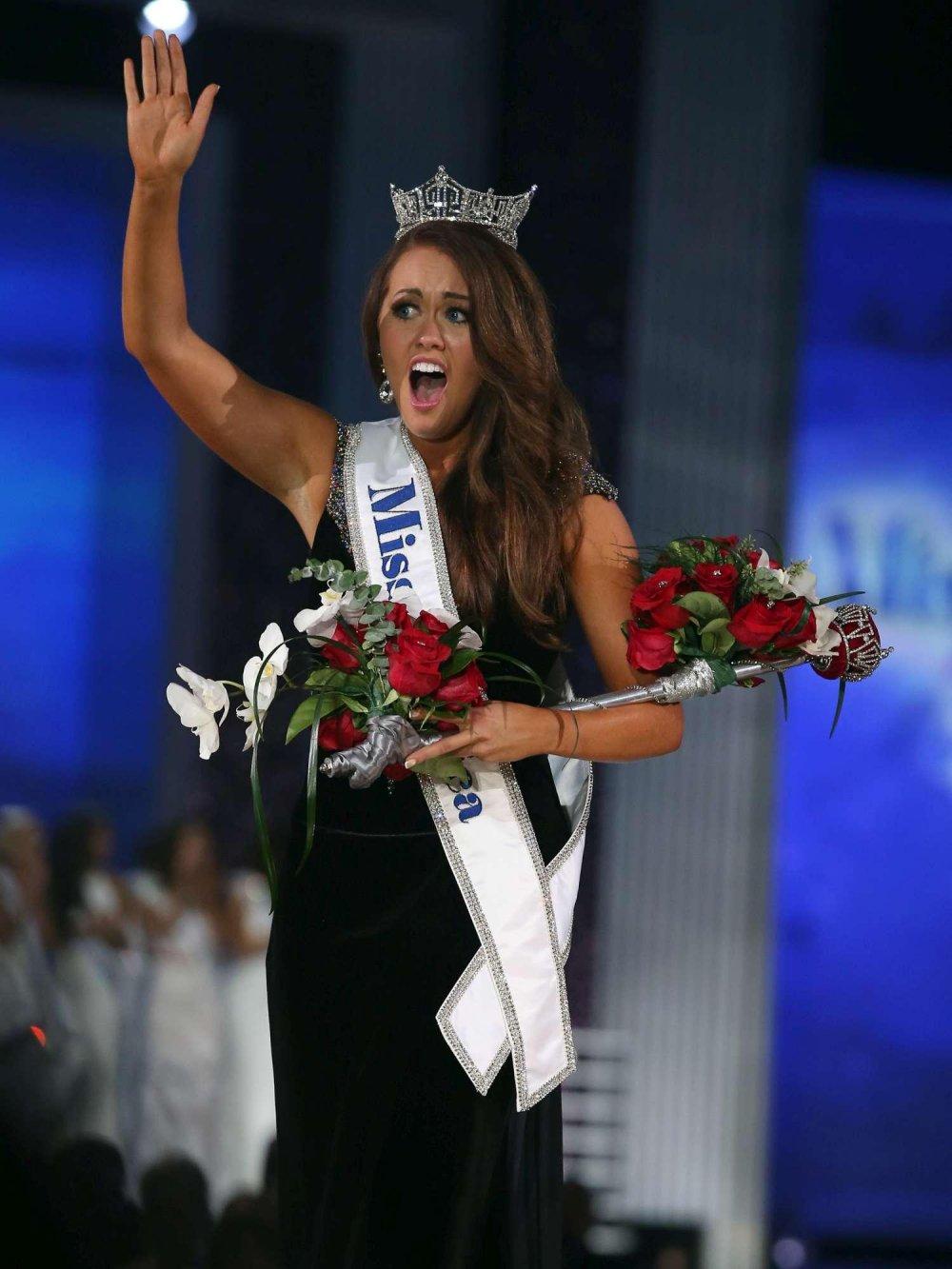 Cara Mund Miss America contro Donald Trump