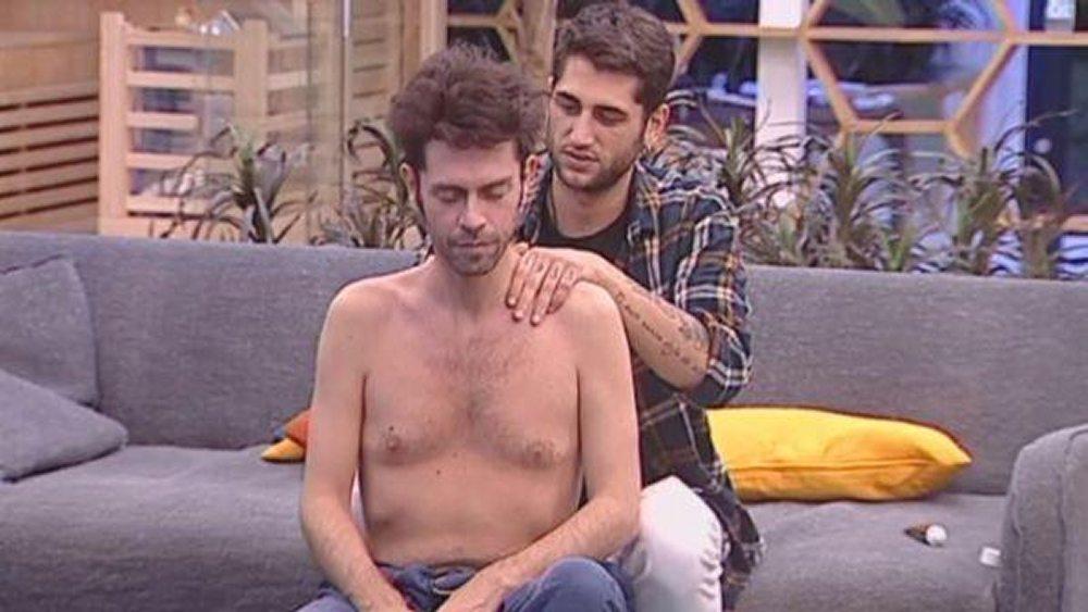 Gf Vip massaggi e chiacchere tra Jeremias e Raffaello