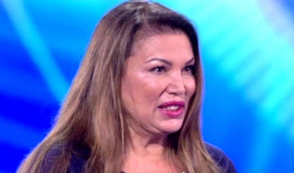 Serena Grandi parla di politica e critica Claudia Koll