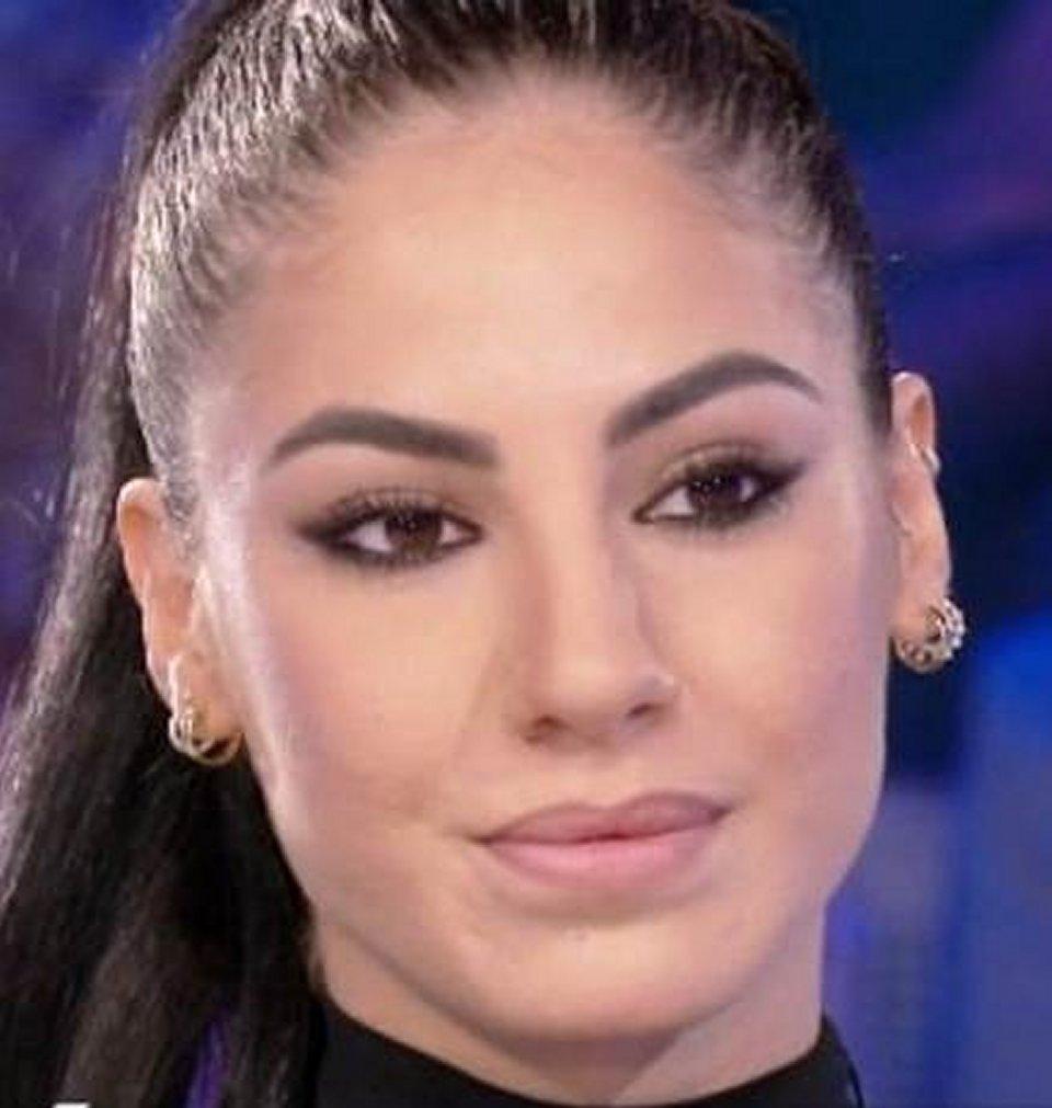 Giulia De Lellis in difesa di Andrea Iannone a Verissimo