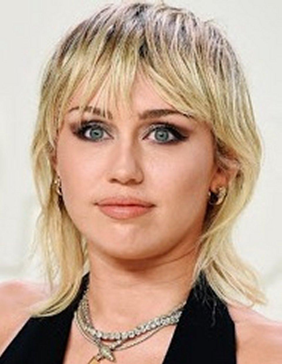 Miley Cyrus ho incontrato un Ufo mi ha inseguita durante la guida