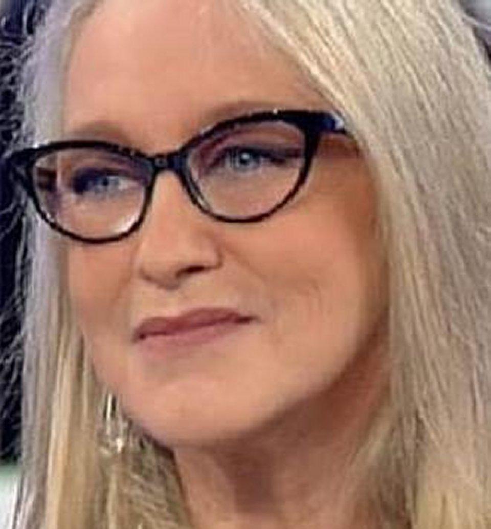 Eleonora Giorgi in tv racconta il suo rapporto controverso con i suoi genitori