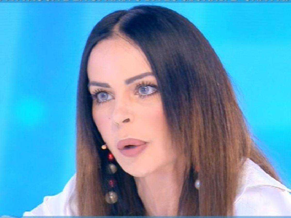 Nina Moric è una furia sui social contro Fabrizio Corona