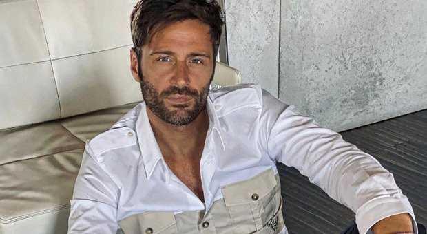 Filippo Bisciglia il post sui social fa preoccupare i fan