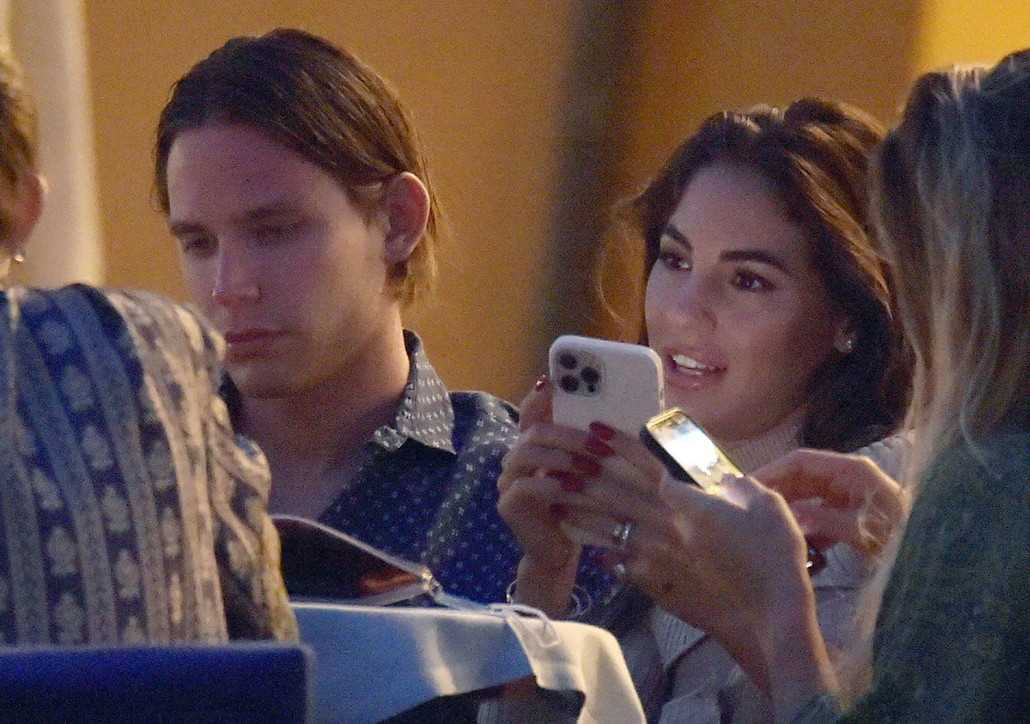 Giulia De Lellis relax Portofino con il fidanzato Carlo e amici