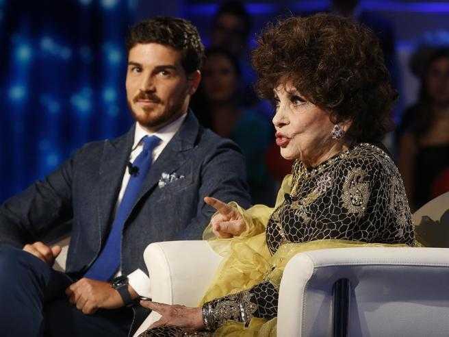Gina Lollobrigida in difesa di Andrea Piazzolla lo adoro siamo d'accordo su tutto