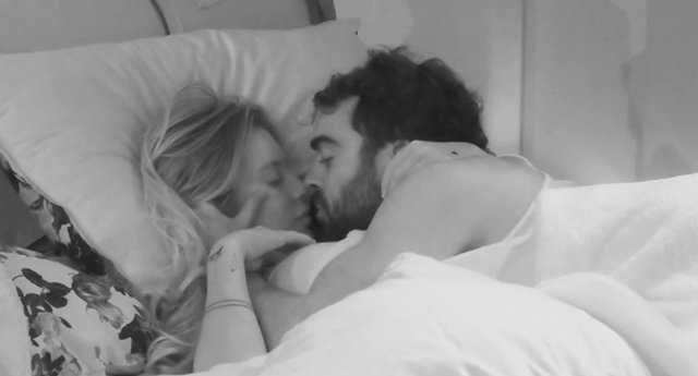 GF Vip scoppia la passione sotto le coperte fra Gianmaria e Sophie