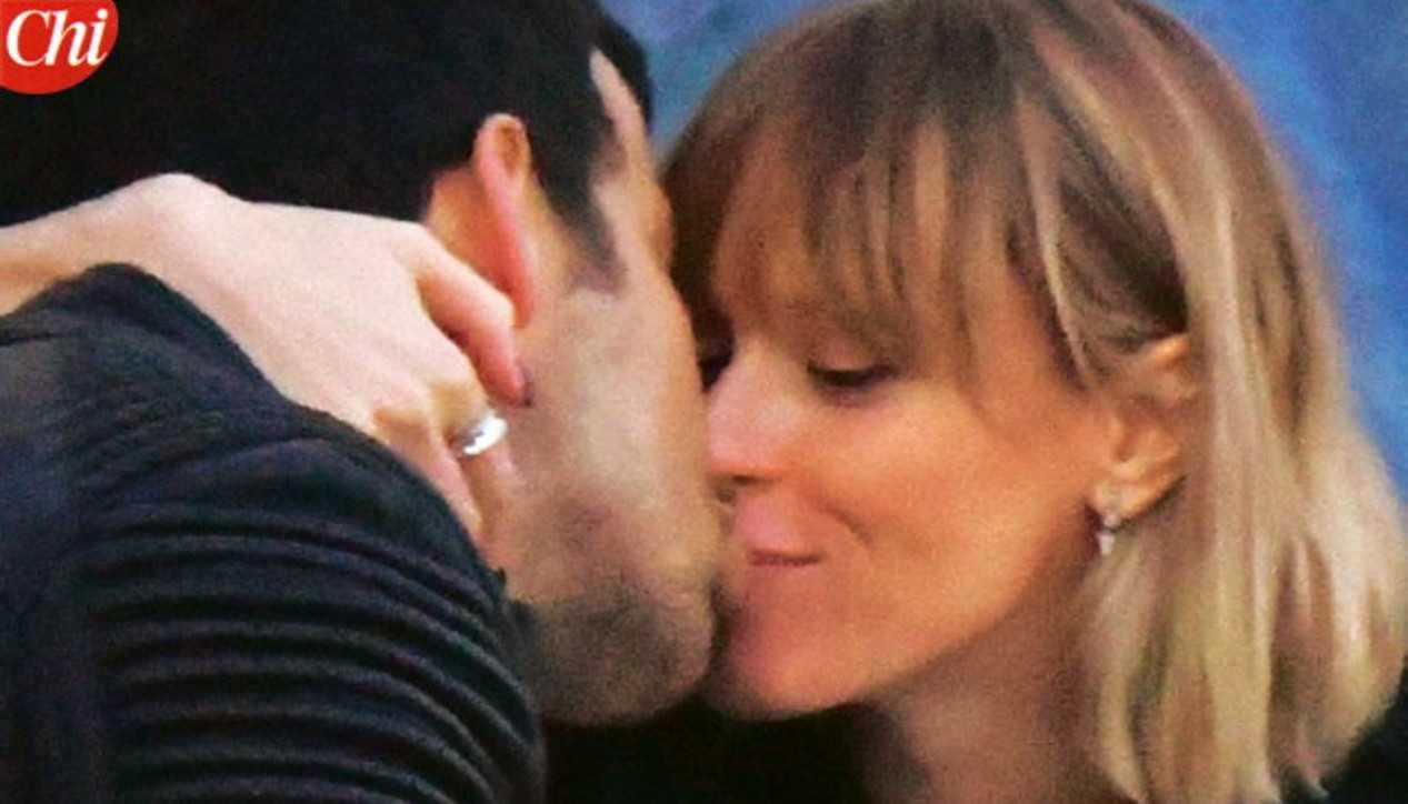 Federica Pellegrini che baci con Matteo Giunta a Venezia