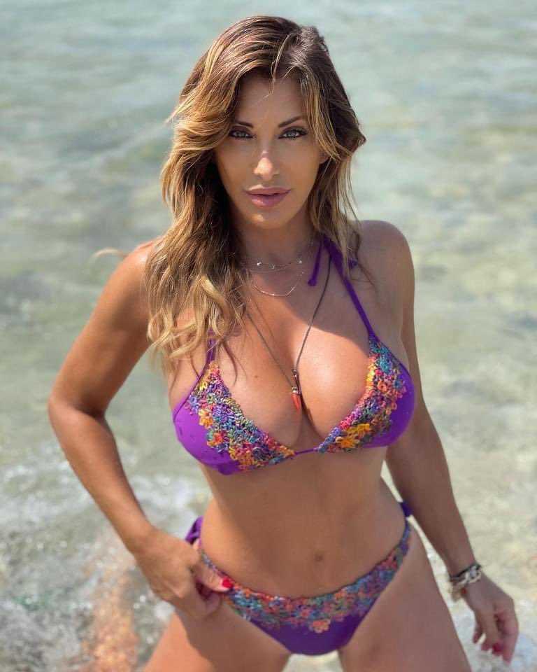 Sabrina Salerno molti la definiscono la JLo italiana è qualcosa che ho studiato e voluto