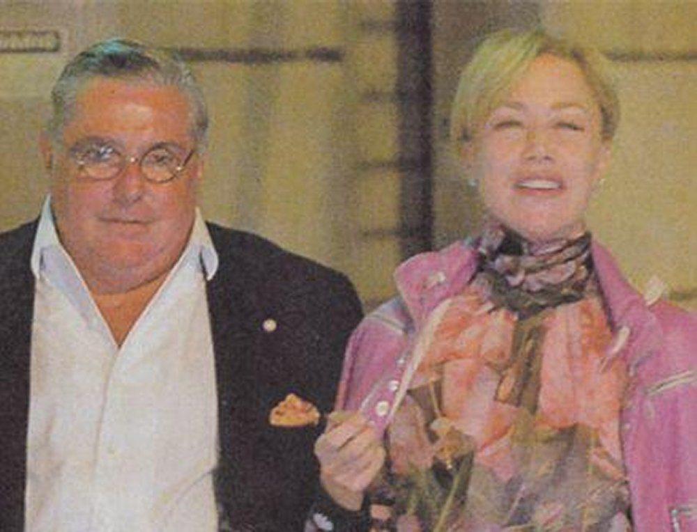 Nancy Brilli paparazzata con Pupi D'Angeri