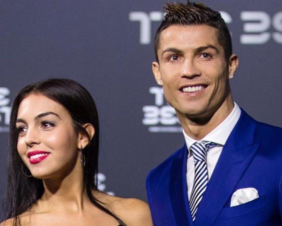 Georgina Rodriguez amore a gonfie vele con Cristiano Ronaldo