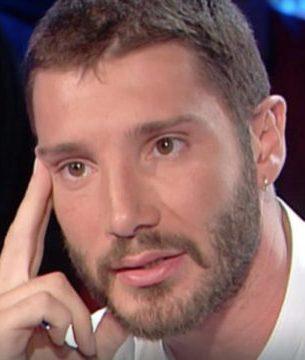 Stefano De Martino sto pensando di adottare un bambino