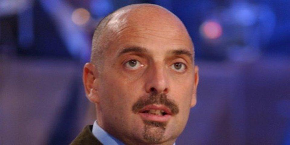 Paolo Brosio sull'isola cercherò di resistere alle belle donne