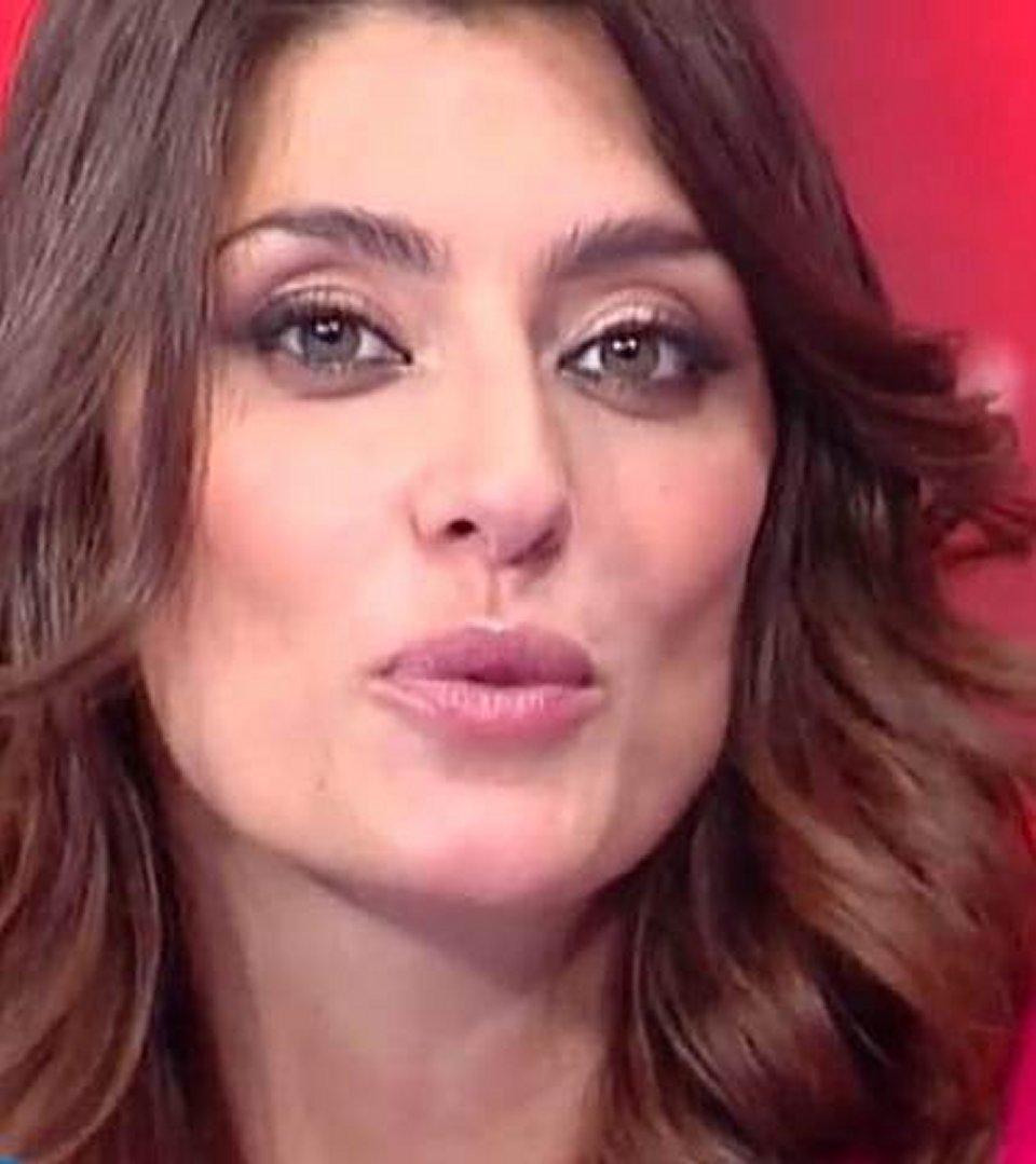 Elisa Isoardi in tv non sono incinta sono solo ingrassata