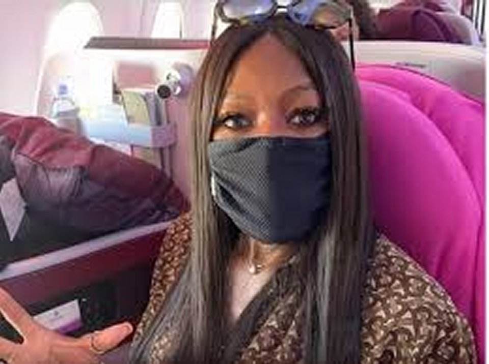 Naomi Campbell ecco cosa fa prima in aereo prima di partire