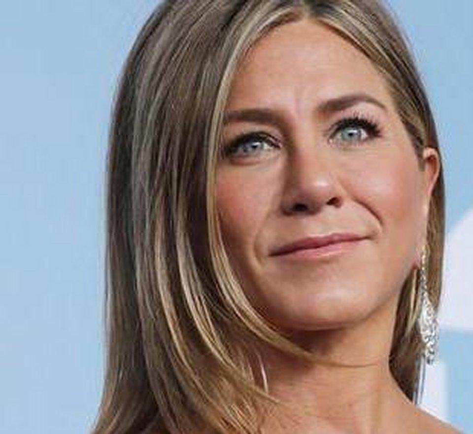 Jennifer Aniston va all'asta una sua foto per raccogliere fondi per il Coronavirus
