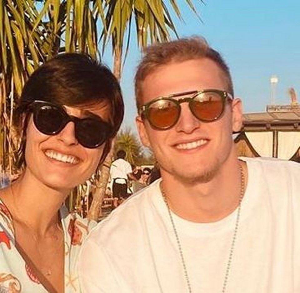 Alice Sabatini con il fidanzato Gabriele Benetti al mare a Fregene
