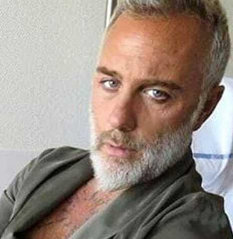 Gianluca Vacchi è volato in Serbia per fare il vaccino Covid