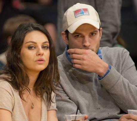 Ashton Kutcher e Mila Kunis rivelano ci laviamo solo se indispensabile