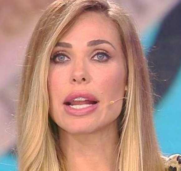 Ilary Blasi non ha lavorato in tv per 2 anni per stare accanto a mio marito
